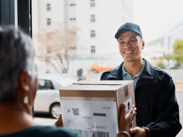 https://chicagomessenger.com/wp-content/uploads/2018/10/another-successful-delivery-on-time-picture-id916422294-640x480.jpg